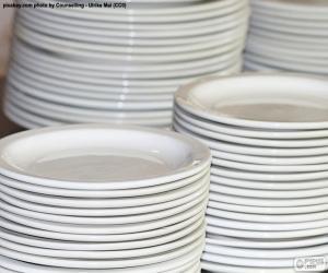 Rompicapo di Piatti in porcellana bianca