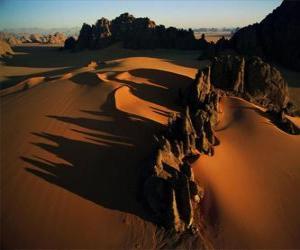 Rompicapo di Pinnacoli di arenaria nella valle Kamasai, il Ciad