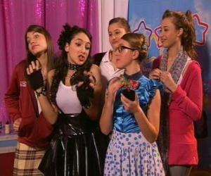 Rompicapo di Poco prima di agire Josefina, Patty, popolare, sol, Tamara.