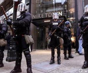 Rompicapo di Polizia antisommossa