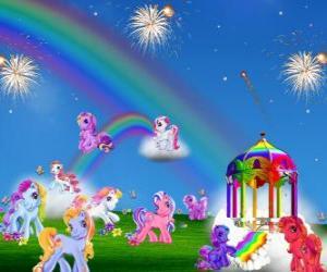 Rompicapo di Pony diversi in una celebrazione