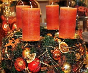 Rompicapo di Quattro candele in un centro