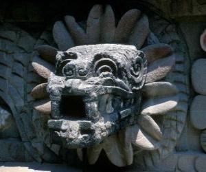 Rompicapo di Quetzalcoatl, il dio azteco della vita, il serpente piumato