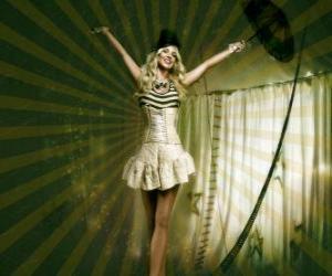 Rompicapo di Ragazza funambola vestita come una ballerina e cappello a cono camminare sulla corda