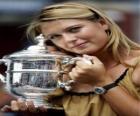 Maria Sharapova con un trofeo