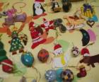 Varietà di ornamenti di Natale