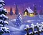 Piccola casa nella neve