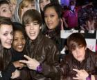 Justin Bieber con i propri fan