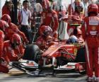 Fernando Alonso ai box - Ferrari - Monza 2010