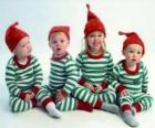 Bambini vestiti per Natale