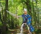 Il principe coraggioso e affascinante, con il suo scudo e la spada