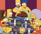 La famiglia Simpson il giorno del Ringraziamento in cui le famiglie si riuniscono per mangiare