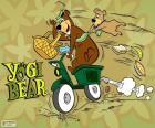 Yogi e Bubu su una moto