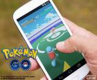 Mobile con l'applicazione installata e giocare il gioco Pokémon GO