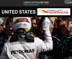 Lewis Hamilton festeggia la sua settima vittoria della stagione presso il Gran Premio degli Stati Uniti 2016
