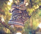 Due belle campane di Natale per decorare l'albero