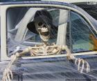 Scheletro in auto, Halloween
