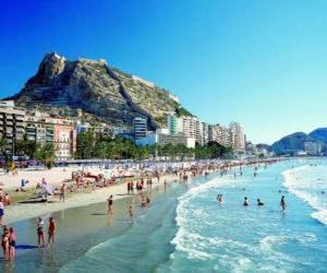 Rompicapo di Scena della spiaggia - Persone che prende il sole