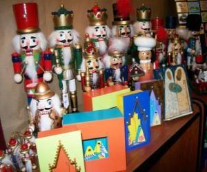 Rompicapo di Schiaccianoci a forma di soldato come una decorazione natalizia