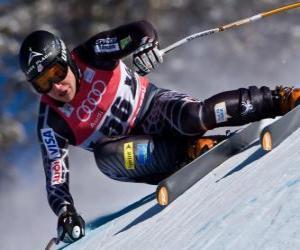 Rompicapo di Sciatore alpino praticare una discesa