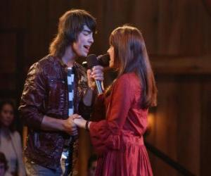 Rompicapo di Shane (Joe Jonas) cantare un lato di Mitchie Torres (Demi Lovato)  in Final Jam