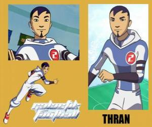 Rompicapo di Thran è la difesa della squadra di calcio galattico Snow-Kids con numero 2