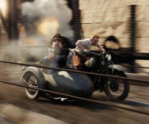 Rompicapo di Tintin guida di un sidecar con i loro amici in una delle sue avventure