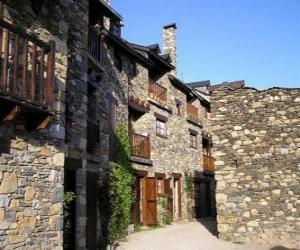 Rompicapo di Tipica strada di montagna villaggio