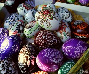 Rompicapo di Uova decorate con fiori
