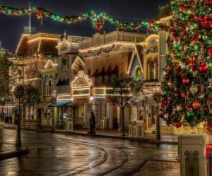 Rompicapo di Via decorato per Natale