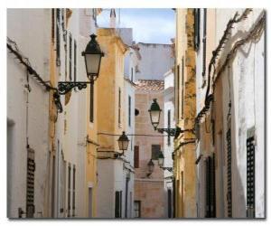 Rompicapo di Village Street in Minorca, Spagna