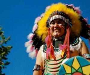 Rompicapo di Volto dil capo indiano con le vernici di guerra e le piume sulla testa