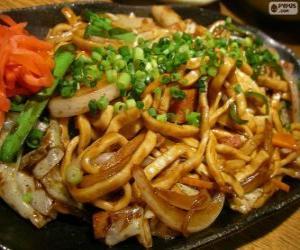 Rompicapo di Yakisoba, cibo giapponese